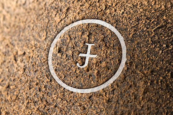 logo_mockup_grunge_wall