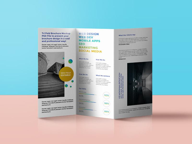 20 awesome free brochure templates mockups utemplates for Brochure design mockup