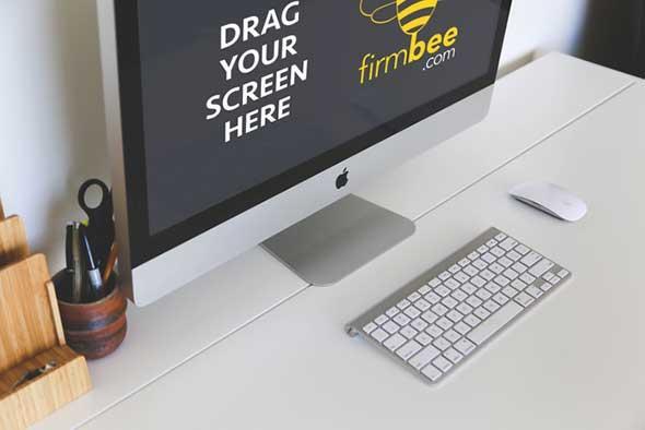 freelance_workspace_imac_on_a_desk