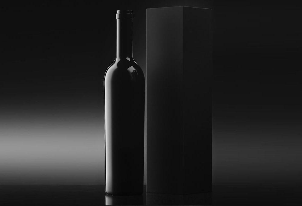 black_wine_bottle_with_box_mockup