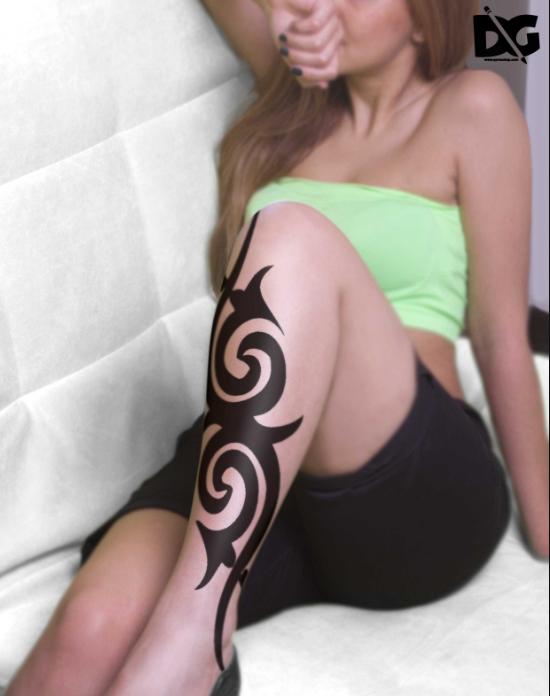 free_women_leg_tattoo_psd_mockup
