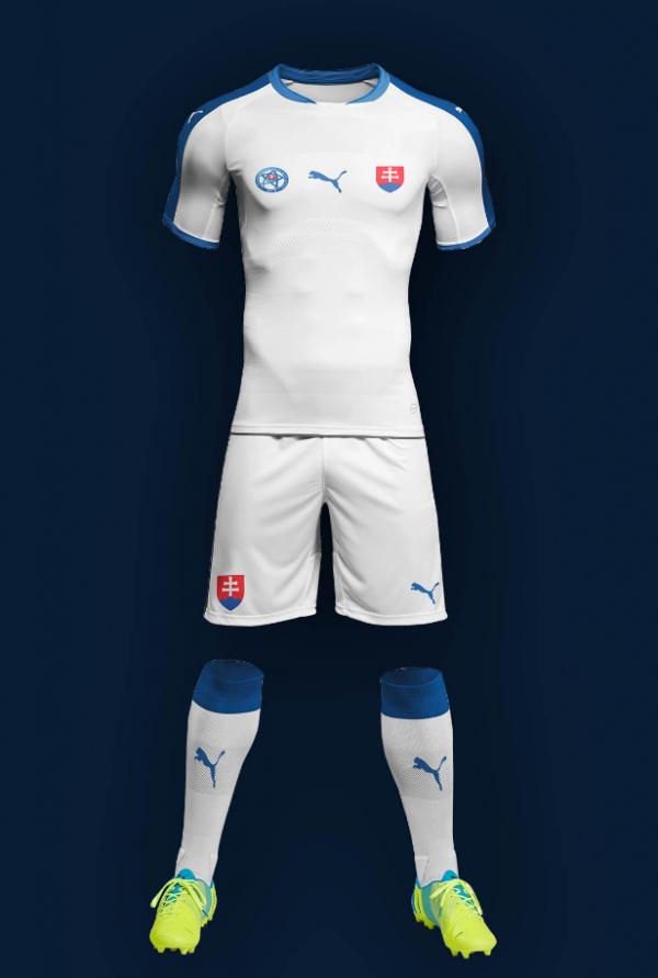free_soccer_kit_mockup
